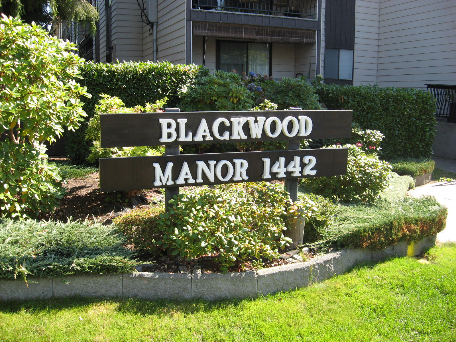 1442 Blackwood Street Blackwood Manor All South Surrey White Rock Condos And Listings For Sale In South Surrey White Rock And Detailed Building Information